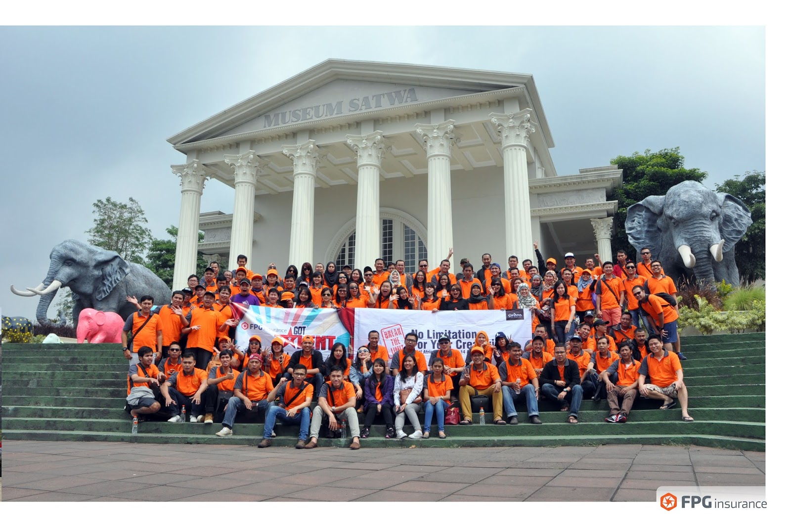 Employee Gathering 2016 PT FPG Insurance to Malang