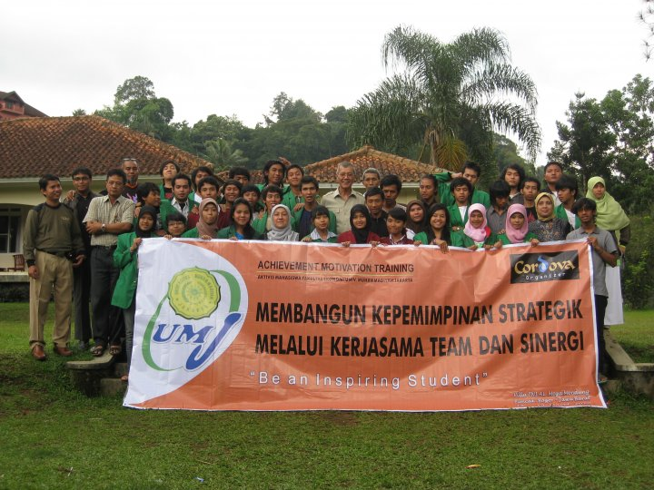 Achievement Motivation Training Aktivis Mahasiswa FE UMJ