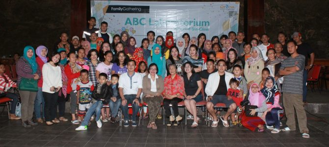 FAMILY GATHERING 2014 PT AMERIND BIO CLINIC LAB IN LEMBANG