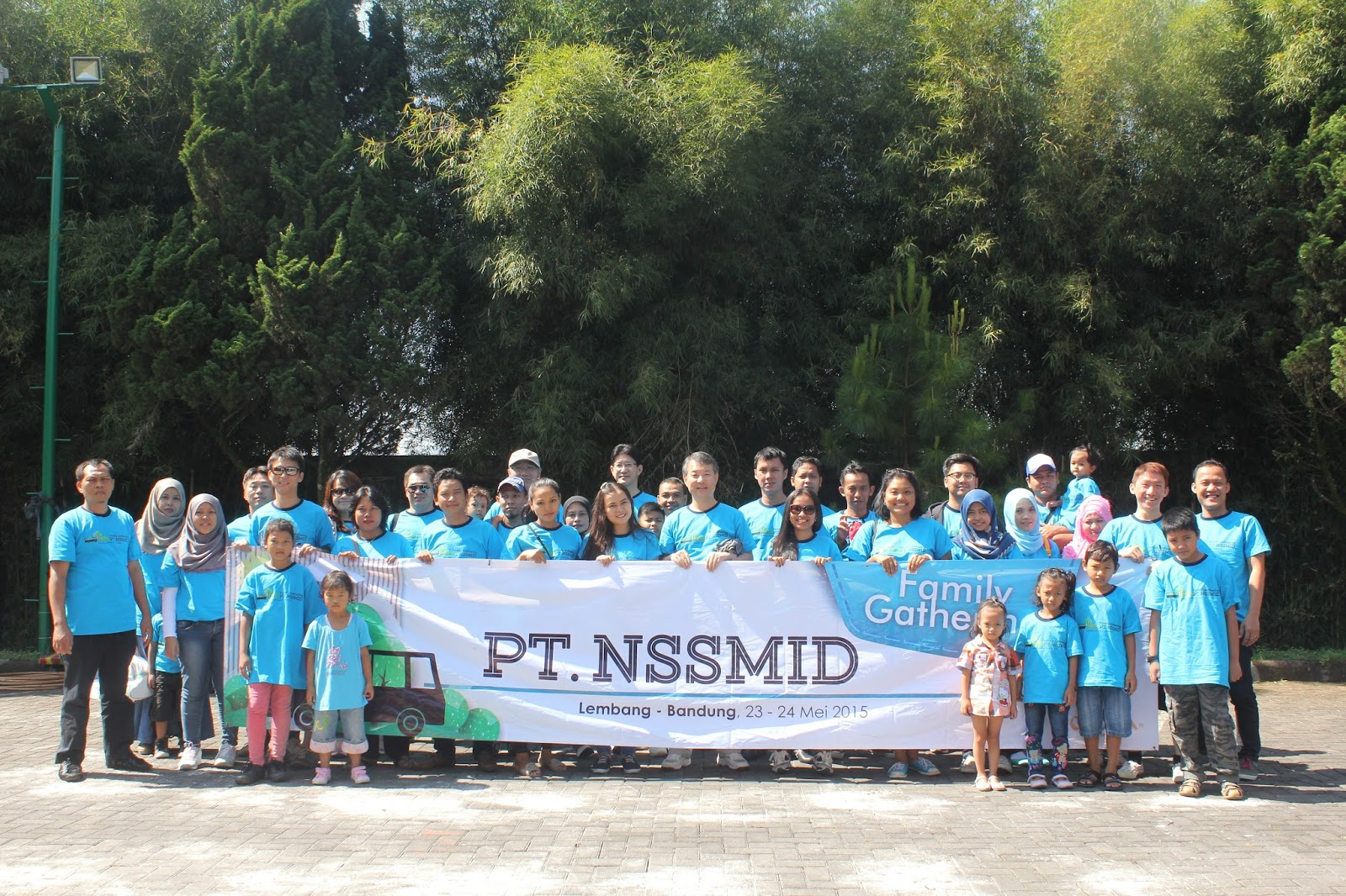 FAMILY GATHERING 2015 PT NIPPON STEEL & SUMITOMO METAL INDONESIA TO LEMBANG