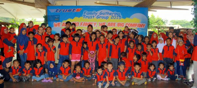 FAMILY GATHERING 2015 TRUST GROUP IN DUFAN